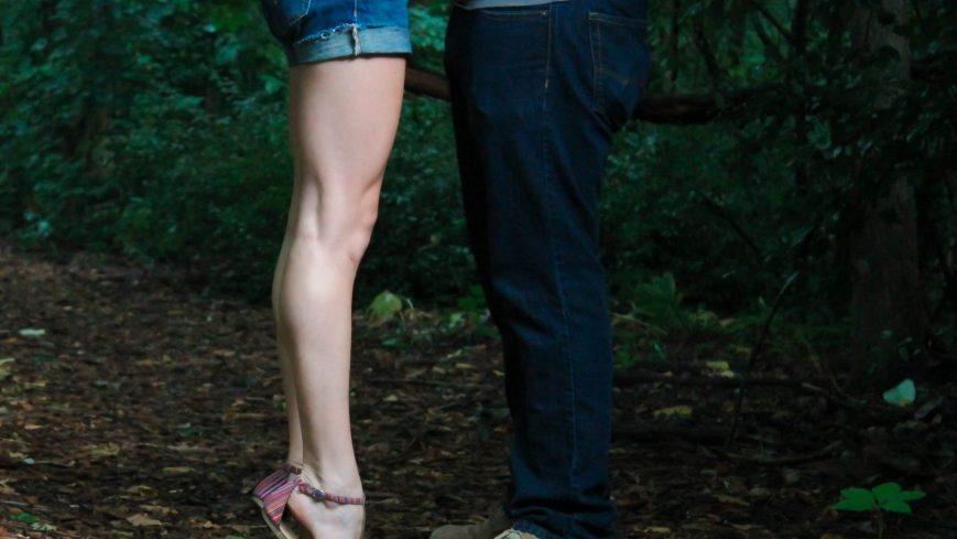 promiscuidad pareja besandose