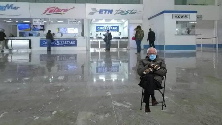 meme bernie aeropuerto