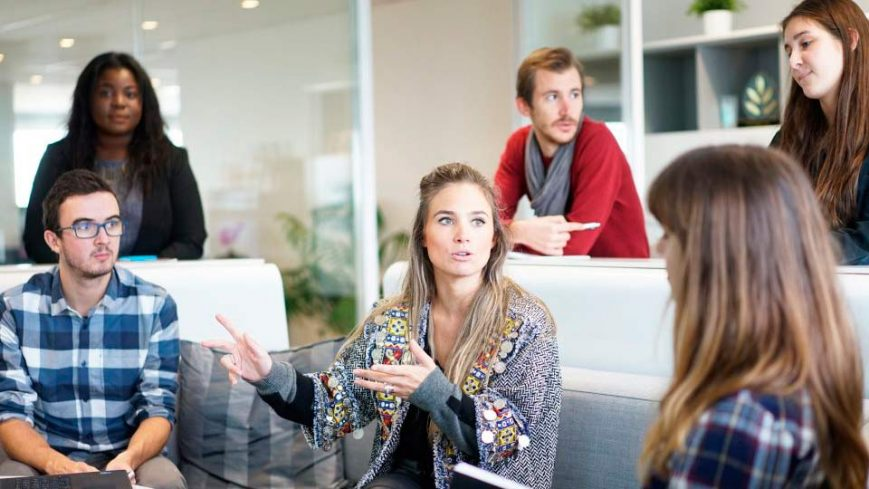 grupo haciendo coaching empresarial