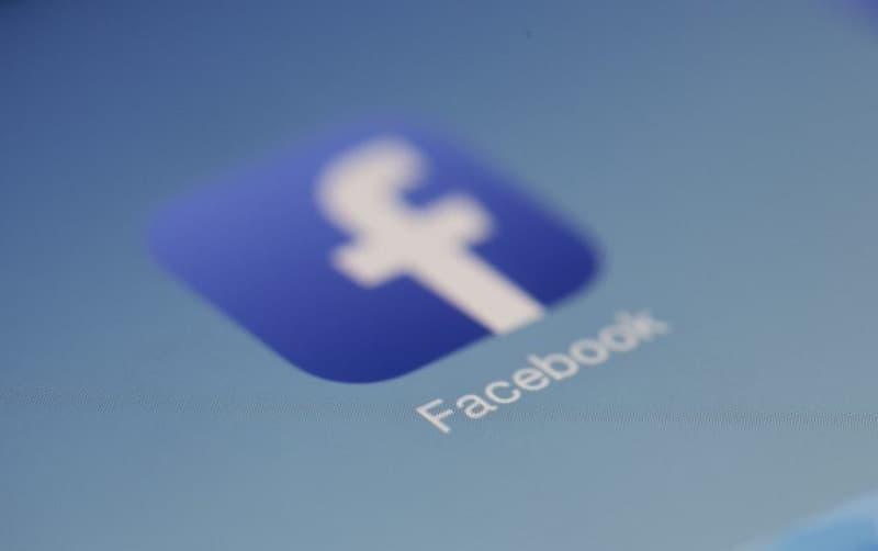 Facebook cuenta con 2.700 millones de usuarios