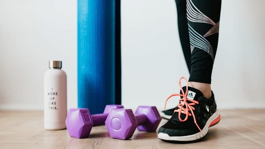 Gym-en-casa-adaptate-y-no-pares-de-entrenar
