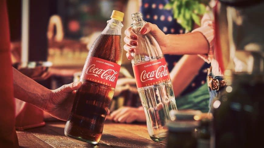 Coca Cola rememora el pasado con versión retornable