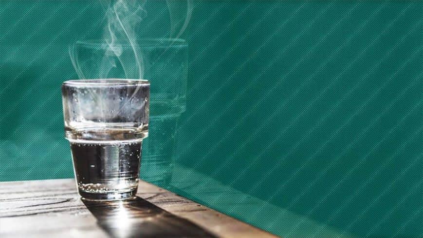 Tomar agua caliente trae importantes beneficios al organismo