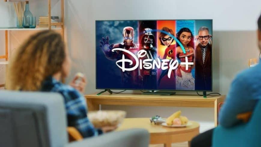 DISNEY-tv-jovenes-viendo
