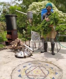hierbabuenamara-imagen-2-El destilador de Hierba Mara, el hacedor de sueños