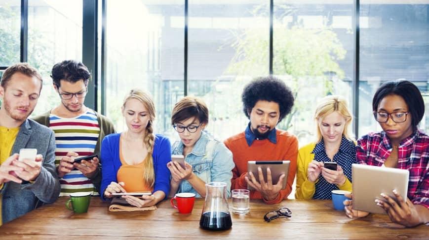 millennials-los-que-mas-compran-en-redes-sociales