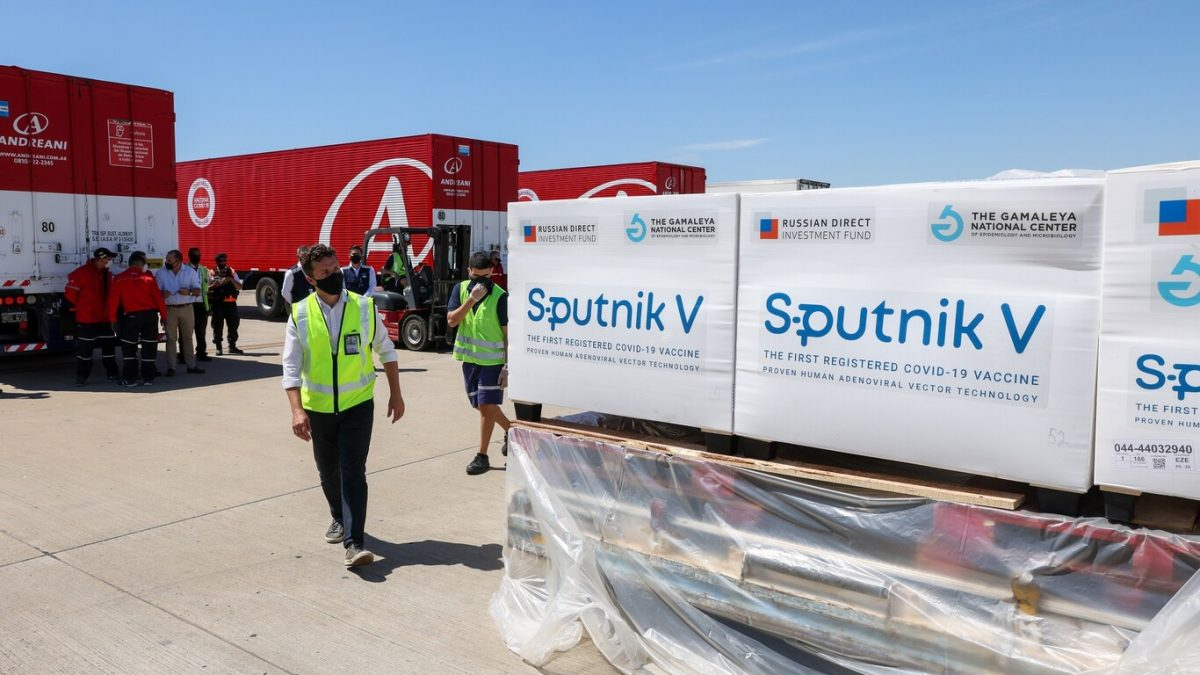 España restringirá acceso a viajeros vacunados con Sputnik V