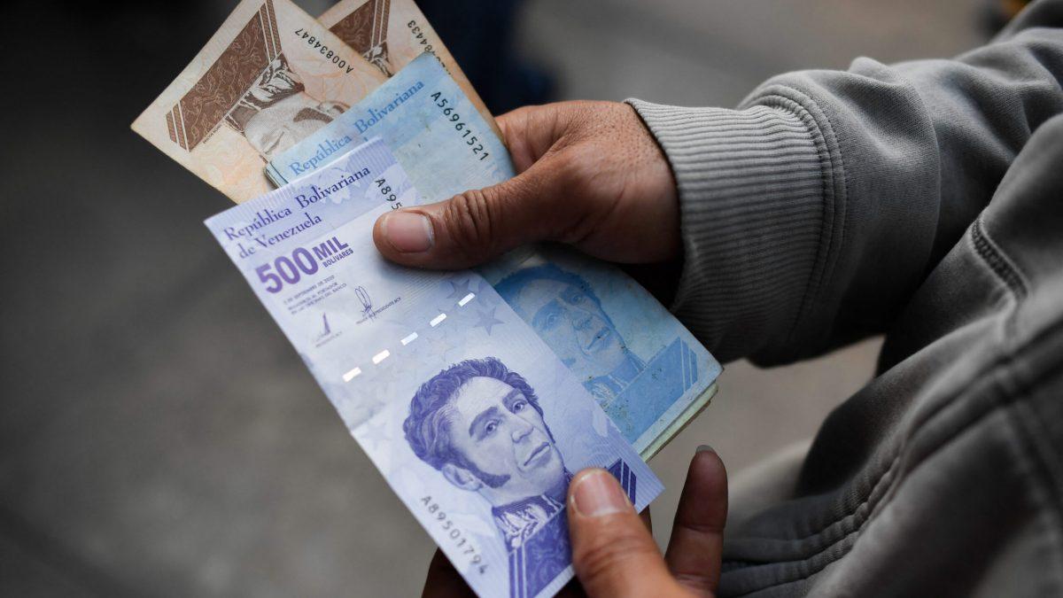 Fetrabanca preparada para asumir una posible reconversión monetaria
